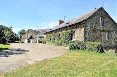 Gennes-sur-Glaize, Mayenne, France