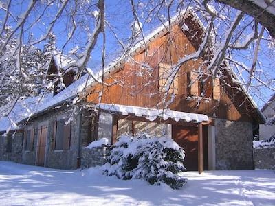 Gîtes Les Fontaines Du Percy en hiver