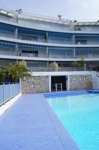 Immeuble SUD et piscine