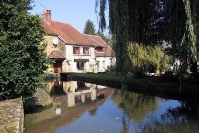 Billy-sur-Oisy, Nievre, France