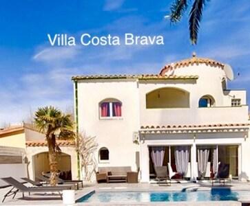 Villa Costa Brava, Pení / Empuriabrava (2020)