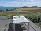 Terrasse plein sud vue sur l'île de Saint Riom et entrée de la baie de Paimpol