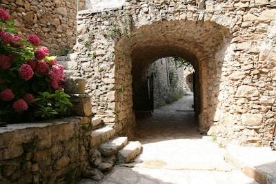 Der Innenhof des Ferienhauses