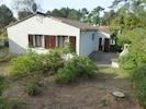 Jardin, terrasse, barbecue à l'arrière de la villa