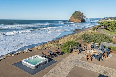 Ocean Front deck with  hot tub