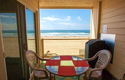 Balcony overlooking ocean and boardwalk