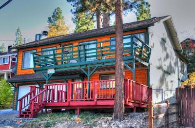 Cozy Cabin Full of Fun - Big Bear Lake, Marina, Village, Slope