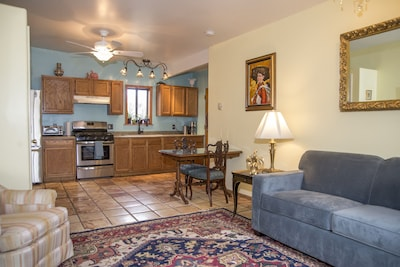 Casita Dulce:  Open concept living, dining and kitchen. One King bedroom.