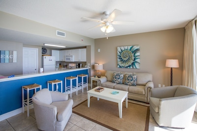 Glorious Ocean Front Views,  No check in required, FREE WiFi! FREE Beach Chairs!