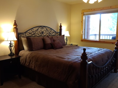 The master bedroom has a King bed with new bedding & linens... ready for you!