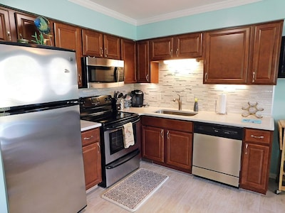 Ocean View Villa with Amazing Resort Amenities -- just steps from the beach!!!