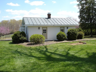 Servants' Cottage on 600 Acre Working Horse/Cattle Estate