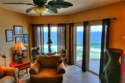 Living room's breathtaking view of the Gulf of Mexico