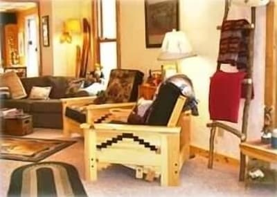 Lodge living room lounge