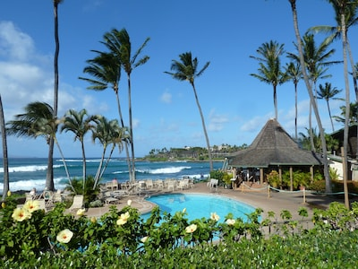View from lanai. The Gazebo Restaurant on  right.  Open for breakfast and lunch.