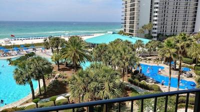 Tower 1 Pool, Splash Pad (add'l cost) and Ocean's Restaurant