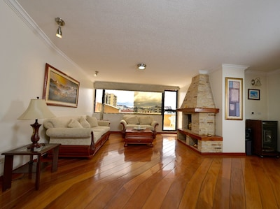 Living room with Chanul wood flooring