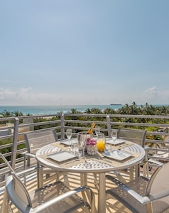 Ocean View Penthouse 09 700 SF Private Rooftop Terrace for lounging and dining