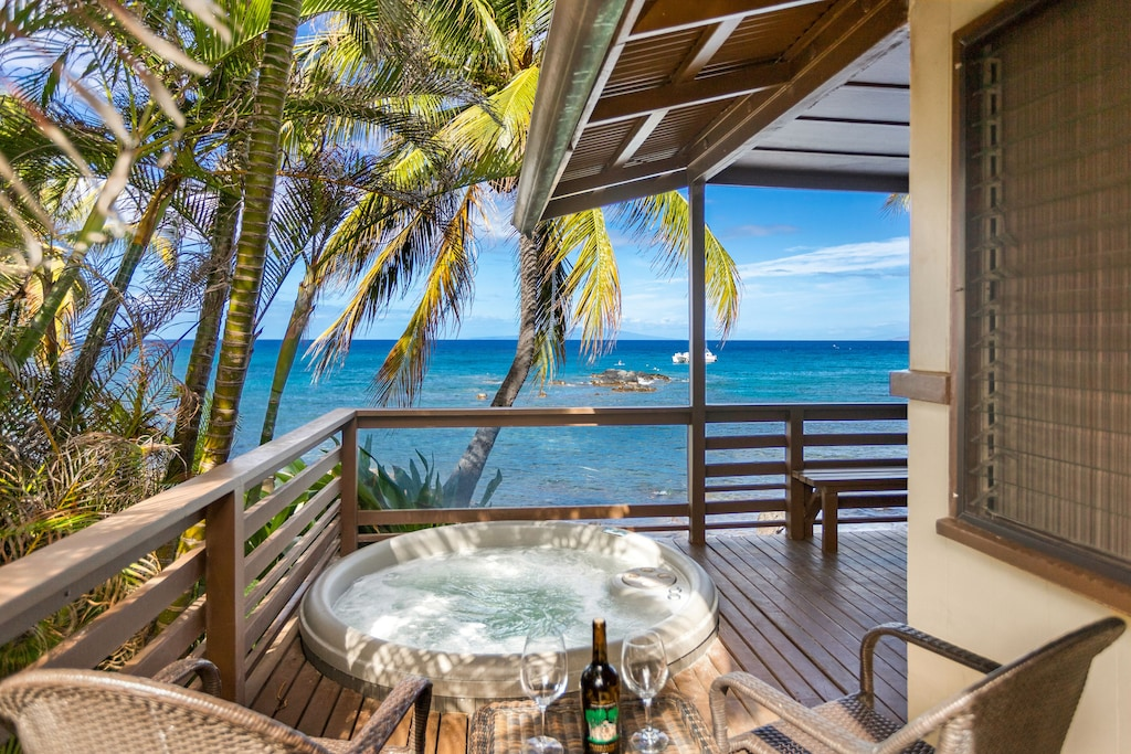 Lanai of a gorgeous vacation rental near one of the Maui black sand beaches