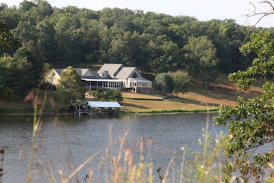 Gorgeous Lodge on 37-Acre Private Lake