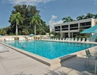 Heated Pool on the Gulf Side (also tennis/pickle ball courts (fitness center)