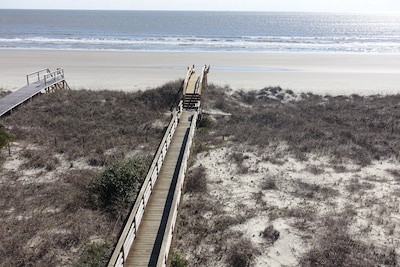 your private walkway to the beach!