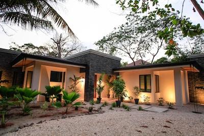 Front entrance of Villa De Luz