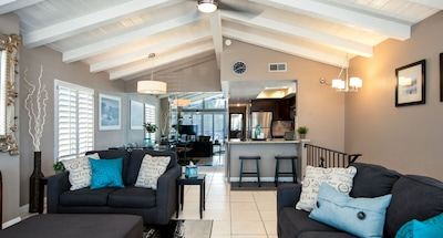 Open concept for gathering of family & friends