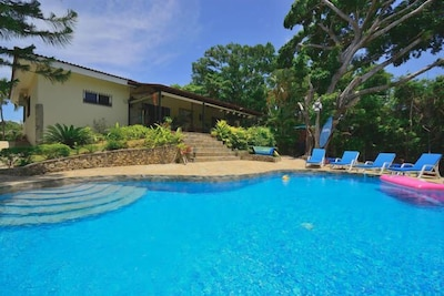 Cool Off In The Fully Tiled Swimming Pool, 3.5m x 10m