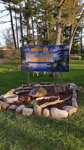 Welcome to Mielke's Fun at the Lakes Resort