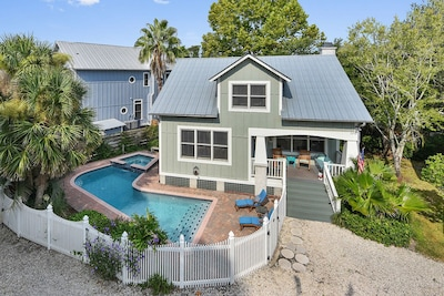 Kahlua's Cottage located in a charming neighborhood called Cottages of Live Oak