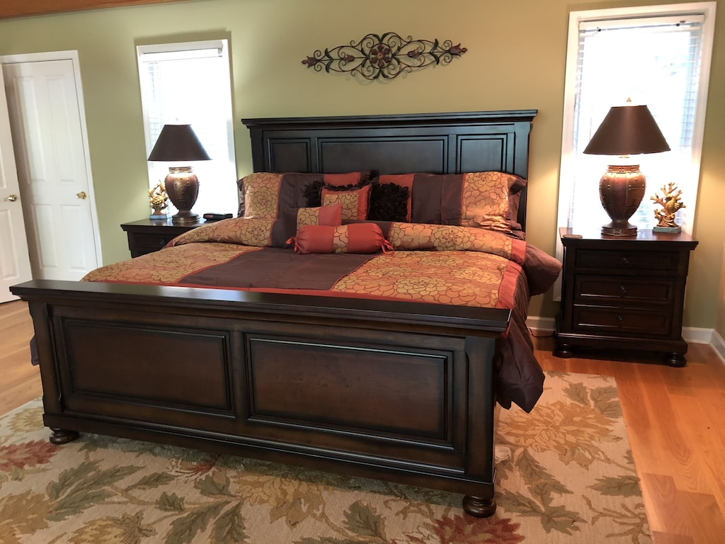 King Bed and HDTV in Master Suite