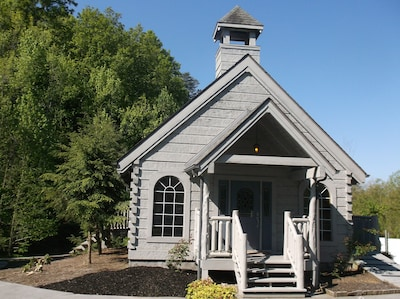 chapel located in alpine mtn village