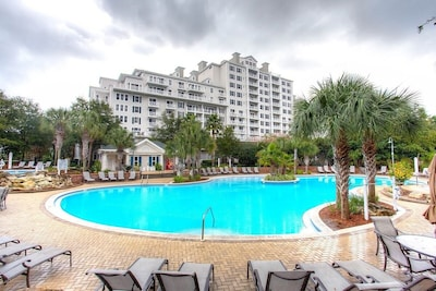 Large pool shown with Grand Sandestin building behind it