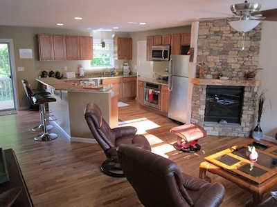 Relax within walking distance of downtown!