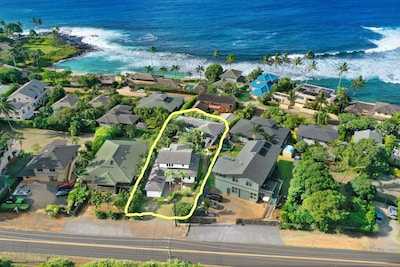 Location!!! Ahe Lani is a short stroll around the end of the block to Baby Beach