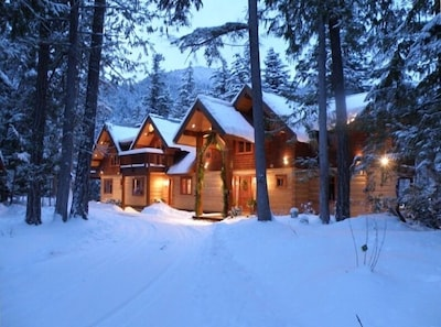 Drumkeeran House on Ivey Lake - preparing for a Festive Holiday Season