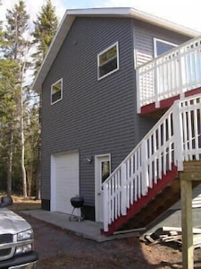 2 story home with deck