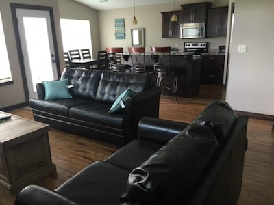 New Year's Eve wknd open. 3 BR, 2 bath, ranch style, finished off garage