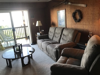 Living Room,  view to the back deck.