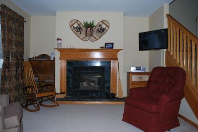 Comfortable, relaxing family room. Gas fireplace,TV, radio w/ ipod dock, WiFi.
