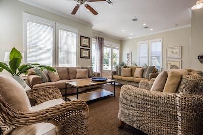 Main Living Area (2nd Floor)