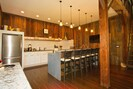 Kitchen/Bar to DIE for !!!!!
