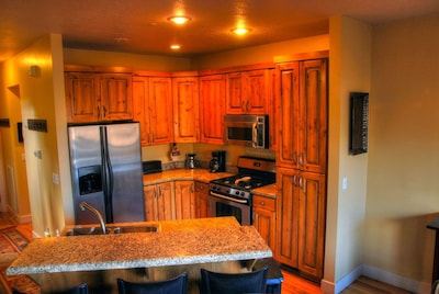 Open kitchen & bar seating