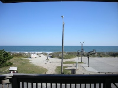 Enjoy beautiful view from side or oceanfront decks/upper and lower decks
