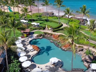 11 Acres of gorgeous landscaped grounds fronting Wailea Beach.