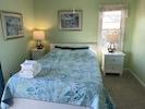 Queen bedroom south side