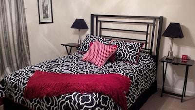 2nd Bedroom - Queen Sized Comfort!