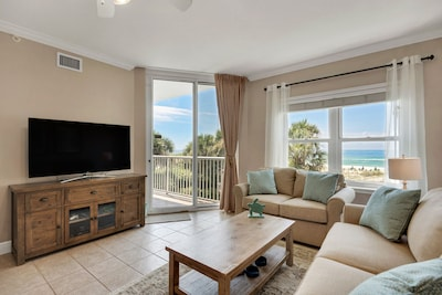 """Newly refurbished condo with with a 55"""" Smart TV with Netflix and Xbox One."""