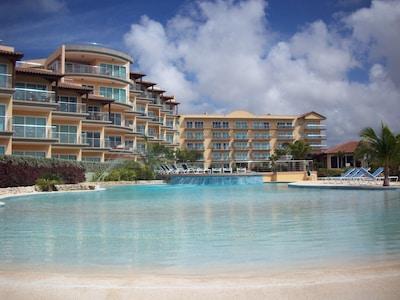 Oceania Resort